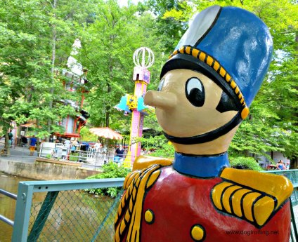 Knoebels Amusement Resort in PA is dog friendly and free