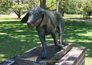 dog sculpture 1