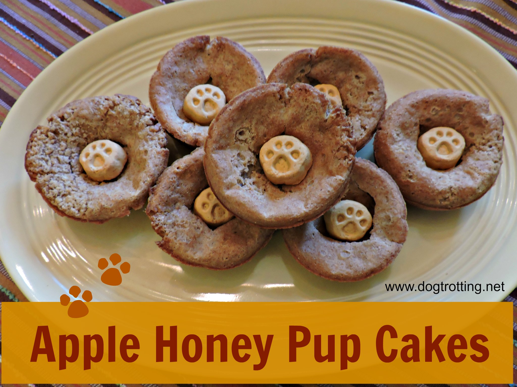 Recipe: Apple Honey Pup Cakes
