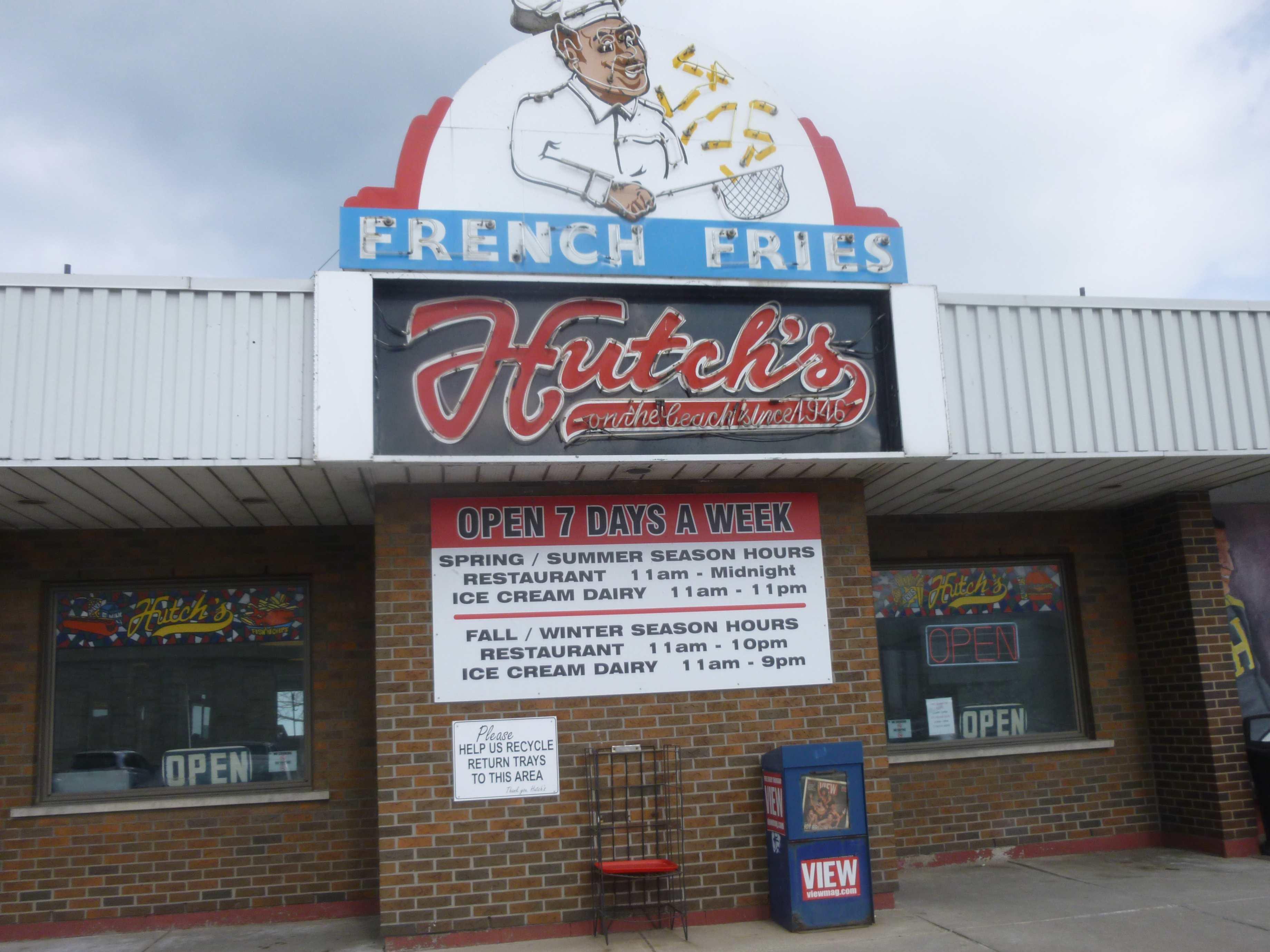 Hutch's On The Beach, Hamilton, Ontario
