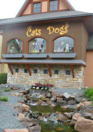 Dogs and Cats store at River Place Shops, Frankenmuth, Michigan
