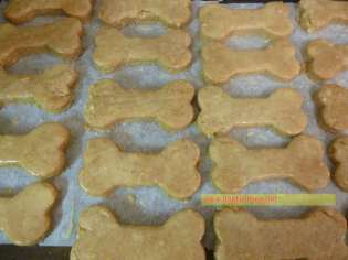 unbaked dog bone treats www.dogtrotting.net