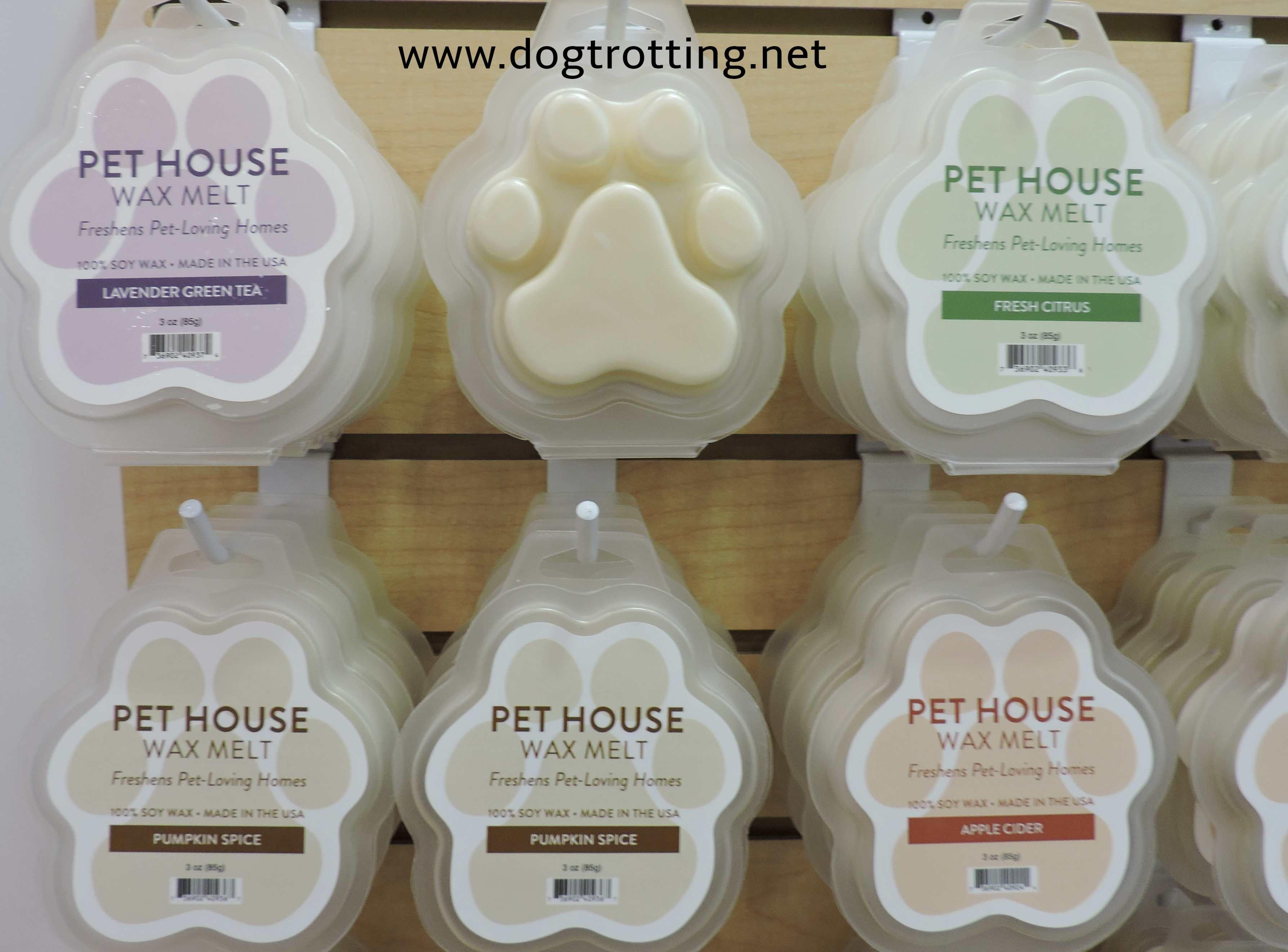 pet house wax melts in paw shape