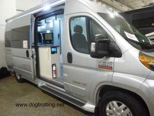 camper van Class C mobile home